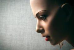 Profil-Nahaufnahme des weiblichen Mannequin-Gesichtes Stockfotos