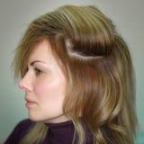 Profil von Frauen mit stilvoller Frisur Stockfoto