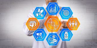 Profilera för apotekareImproving Healthcare Via DNA fotografering för bildbyråer