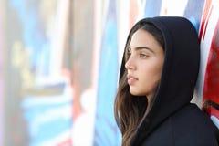 Profili il ritratto di una ragazza dell'adolescente di stile del pattinatore Fotografia Stock Libera da Diritti