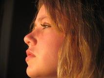 profilkvinnabarn royaltyfri bild