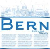 Profilo Bern Switzerland City Skyline con le costruzioni blu ed il Co Fotografia Stock
