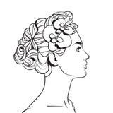Profilo di bella donna con il fronte femminile di schizzo elegante dell'acconciatura su fondo bianco Fotografie Stock