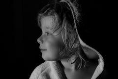 Profilo laterale in bianco e nero del bambino Immagine Stock