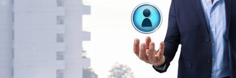 Profilowy kontakt i biznesmen z ręki palmą otwartą w mieście obrazy royalty free