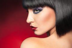 Profilporträt von Brunette lizenzfreie stockfotografie