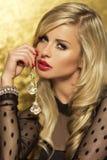 Profilstående av den attraktiva blonda damen. Royaltyfria Bilder