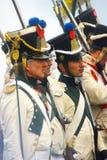 Profilstående av likformign för iklädd vit för reenactors Royaltyfri Bild
