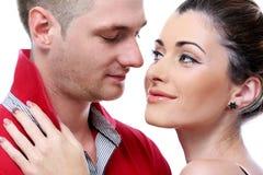 Profiter d'un agréable moment vraiment romantique de couples Photographie stock