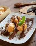 profiteroles Immagine Stock