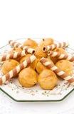 Profiteroles com waffles do chocolate Fotografia de Stock Royalty Free