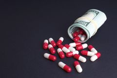 Profitti e ricerca e sviluppo dell'industria farmaceutica immagine stock libera da diritti