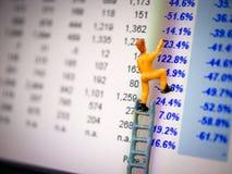 Profitto del ritrovamento dell'uomo di concetto di investimento migliore Immagine Stock