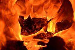 Profondément, flamme saturée photographie stock libre de droits