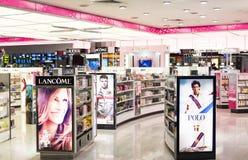 Profumo e negozio cosmetico Fotografia Stock Libera da Diritti