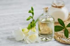 Profumo ed olio aromatico immagini stock