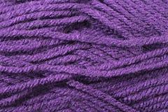 Profundamente - fim roxo da textura do fio acima Fotos de Stock