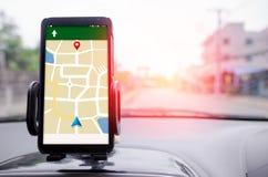 Profundidad baja elegante móvil o del foco selectivo del navegador de GPS del teléfono imagen de archivo