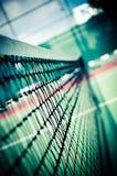 Profundidade rasa da rede ao ar livre do tênis da vista imagem de stock
