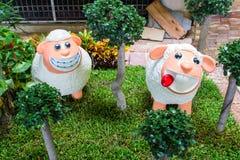 Progettazione animale del giardino delle pecore della statua Immagine Stock Libera da Diritti
