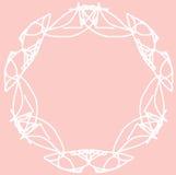 Progettazione bianca dell'ornamento del cerchio su fondo rosa Immagini Stock