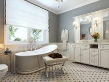 Progettazione classica del bagno luminoso Fotografie Stock Libere da Diritti
