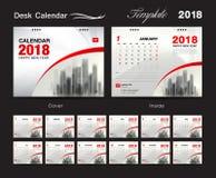 Progettazione 2018, copertura rossa, un insieme del modello del calendario da scrivania di 12 mesi Fotografia Stock Libera da Diritti