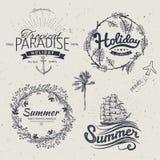 Progettazione d'annata di tipografia di estate con le etichette, Immagini Stock