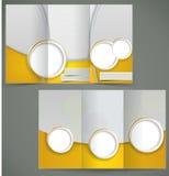 Progettazione d'argento della disposizione dell'opuscolo di vettore con la e gialla Immagine Stock