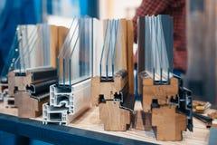 Progettazione dei profili del PVC per la finestra fotografie stock