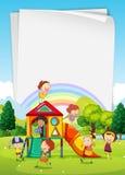 Progettazione del confine con i bambini nel campo da giuoco Fotografia Stock Libera da Diritti