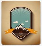 Progettazione del distintivo di avventura Tutti gli oggetti negli strati Fotografie Stock Libere da Diritti