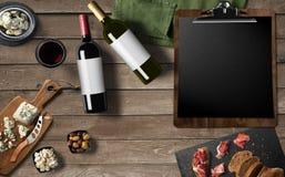 Progettazione del menu del ristorante, vino rosso, vino bianco, camembert del formaggio, Fotografia Stock Libera da Diritti