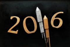 Progettazione del nuovo anno 2016 contro il vetro della siluetta Fotografia Stock Libera da Diritti