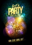 Progettazione del partito con la palla della discoteca dell'oro Fotografie Stock Libere da Diritti
