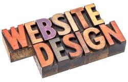 Progettazione del sito Web nel tipo di legno dello scritto tipografico fotografia stock