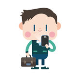 Progettazione dell'illustrazione del carattere Uomo d'affari facendo uso del carretto del telefono cellulare Fotografia Stock