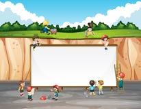Progettazione dell'insegna con i bambini e la scogliera Fotografia Stock