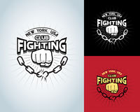Progettazione della maglietta di combattimento, logotype, etichetta monocromatica di pugilato, distintivo, logo per l'aletta di f illustrazione vettoriale