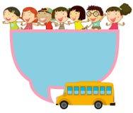 Progettazione della pagina con i bambini e lo scuolabus Fotografie Stock Libere da Diritti