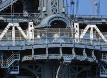 Progettazione di architettura: Sezione concentrare del ponte di Manhattan della torre dettagliatamente Immagine Stock Libera da Diritti