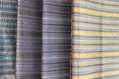Progettazione di seta tessuta fatta a mano del panno fotografia stock