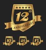 Progettazione dorata delle etichette del distintivo di anniversario Fotografie Stock