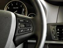 Progettazione e comandi multifunzionali del volante Fotografie Stock