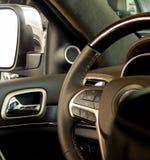 Progettazione e comandi multifunzionali del volante Fotografia Stock