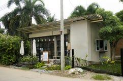 Progettazione esteriore e decorazione di coffeeshop locale e del ristorante Fotografia Stock