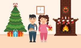 Progettazione festiva della stanza Il camino del mattone, Natale si avvolge, latte e biscotti per Santa sveglia, l'albero decorat Fotografia Stock
