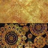 Progettazione floreale scura e dorata Fotografia Stock Libera da Diritti