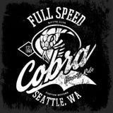 Progettazione furiosa americana d'annata di vettore della stampa del T del club dei motociclisti della cobra isolata su fondo ner Immagine Stock Libera da Diritti