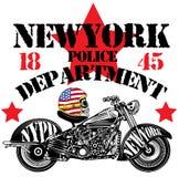 Progettazione grafica della maglietta dell'uomo di divertimento di New York del cranio del motociclo illustrazione di stock